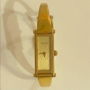Authentic Gucci 1500 vintage watch